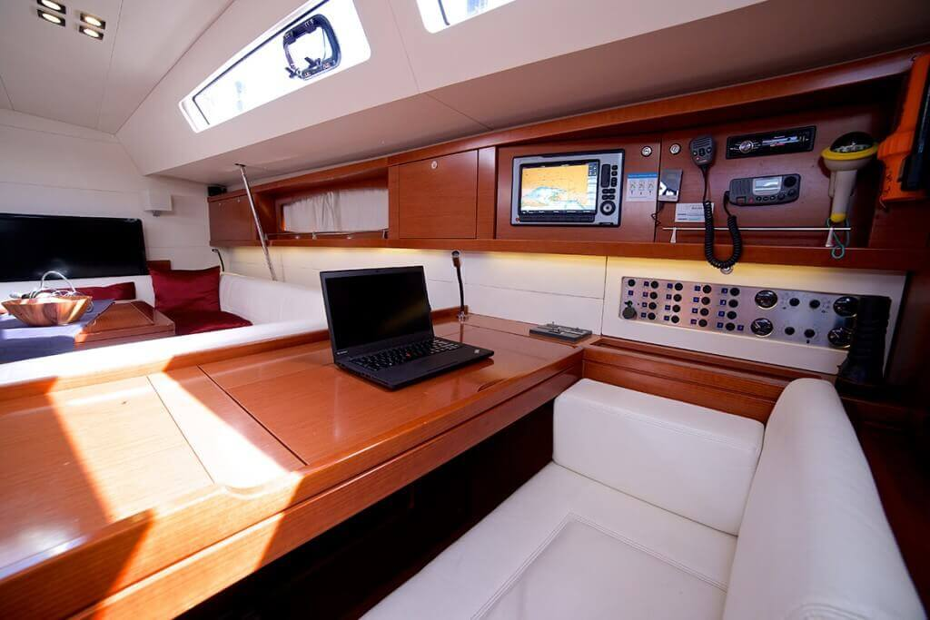 yacht workstation