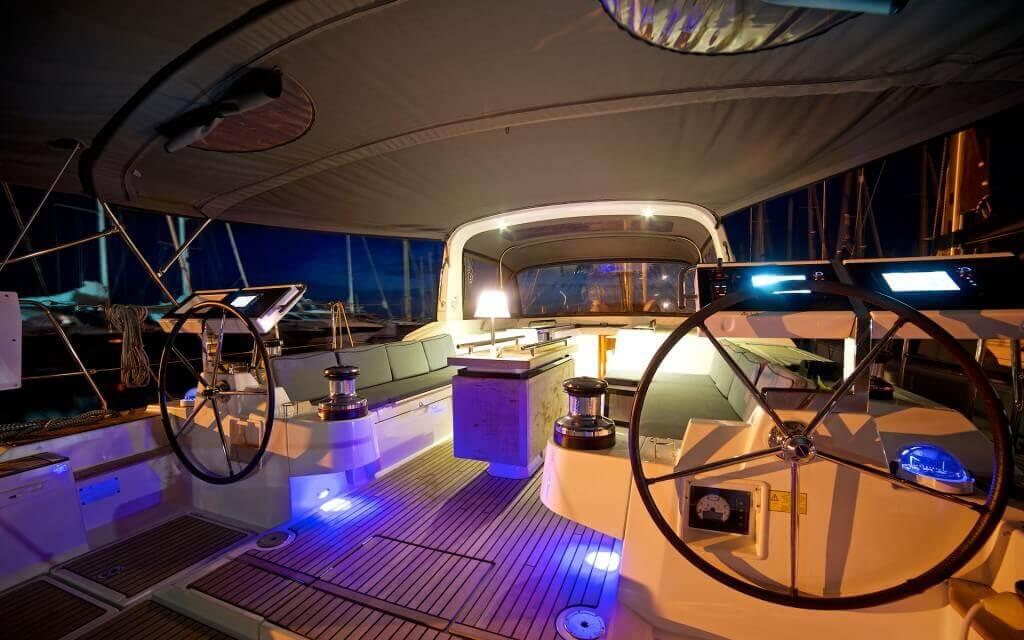 kapitánsky mostík v noci