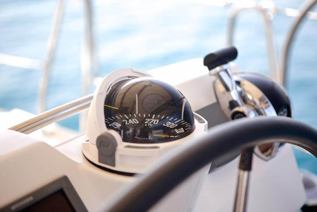 navigačné vybavenie jachty Beneteau Oceanis 58
