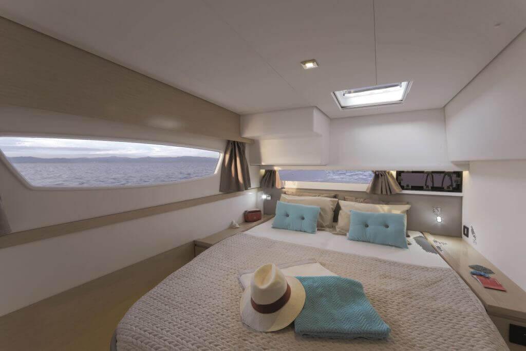 luxusná posteľ na jachte Princess Aphrodite