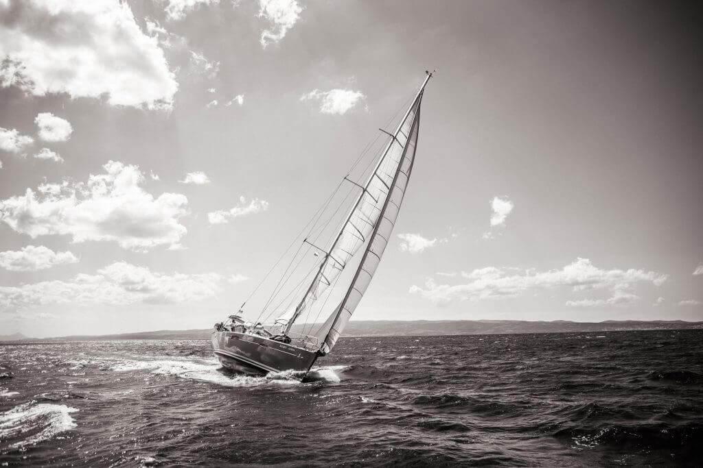 jachta Axiera na šírom mori